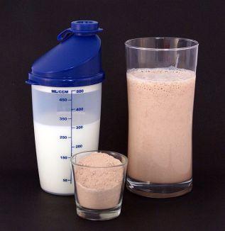 582px-Protein_shake.jpg