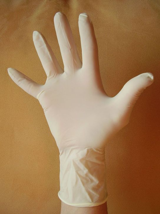 1024px-Disposable_gloves_09