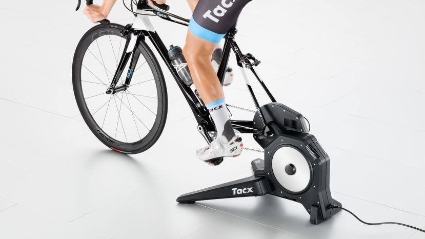 tacx-flux-smart-trainer-2638849999222-in-use.jpg